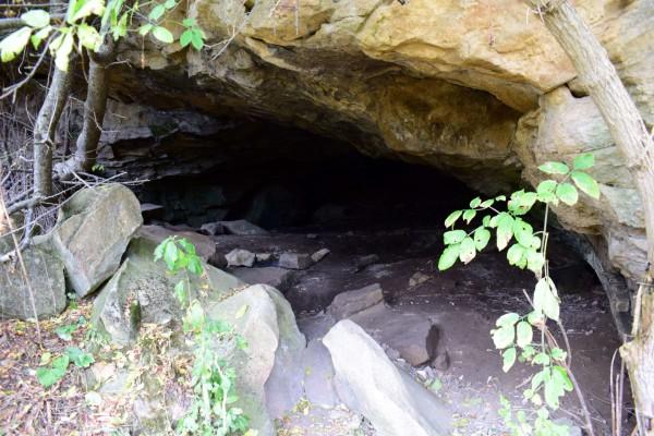 Пещеры «Каменные сараи»