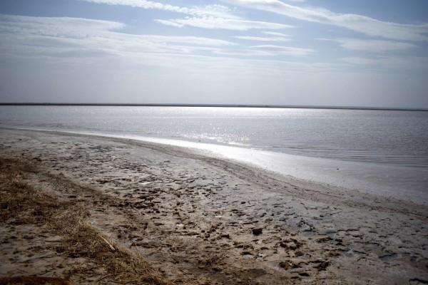 Солёное озеро Довсун