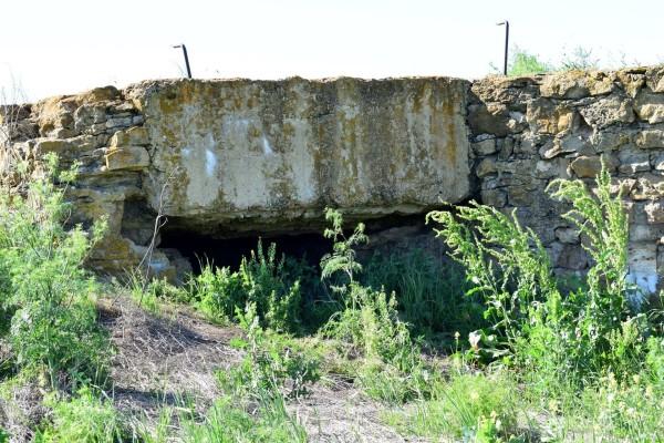 Каменный дот времён ВОВ вблизи села Бешпагир