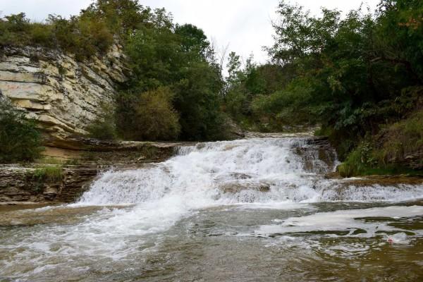 Водопады на реке Кума
